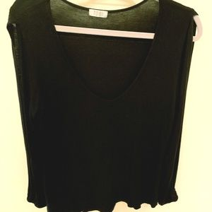 Tobi Black Long Open Sleeve Top M